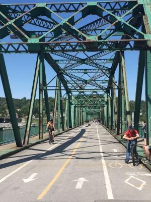 Le pont réservé aux cyclistes à Chicoutimi!