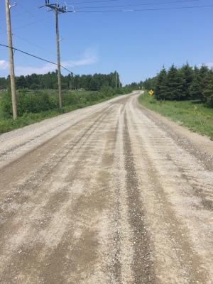 15 km de route de terre vers Alma