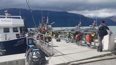 La tension est palpable...4 cyclostes resteront sur le quai!