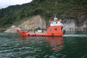 Ferry pour contourner l'éboulis
