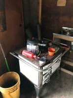 La cuisinière du refuge...hors d'usage!
